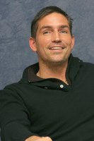 James Caviezel picture G617152
