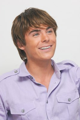 Zac Efron poster G617686