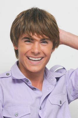 Zac Efron poster G617691