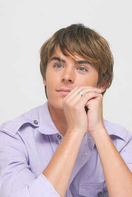 Zac Efron poster G617692
