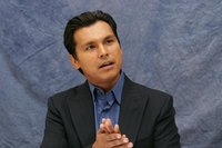 Adam Beach picture G627861