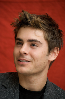 Zac Efron poster G628784