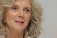 Blythe Danner picture G339833