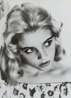 Sue Lyon picture G634479