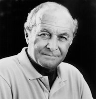 Robert Loggia picture G634863