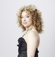 Alex Kingston picture G634995