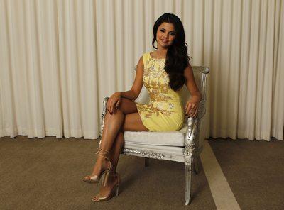 Selena Gomez poster G637137