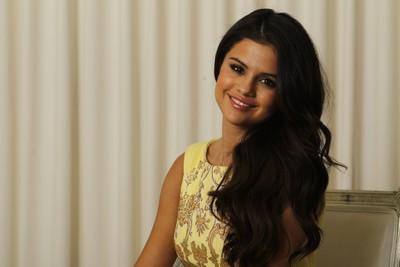 Selena Gomez poster G637151