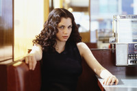 Mia Kirshner picture G637930