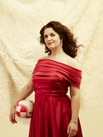 Ruth Jones picture G639992