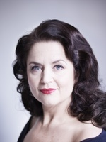 Ruth Jones picture G639995