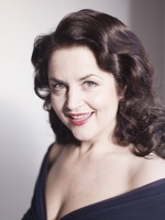 Ruth Jones picture G639996