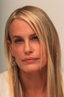 Daryl Hannah picture G64389