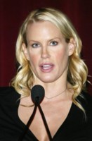 Daryl Hannah picture G64426