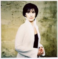Enya picture G64750