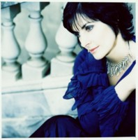 Enya picture G64752