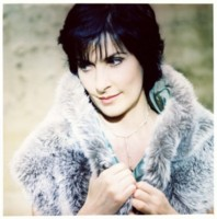 Enya picture G64753