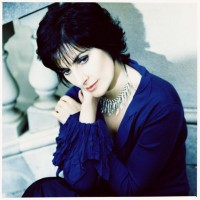 Enya picture G64755