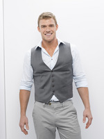 Alan Ritchson picture G656437
