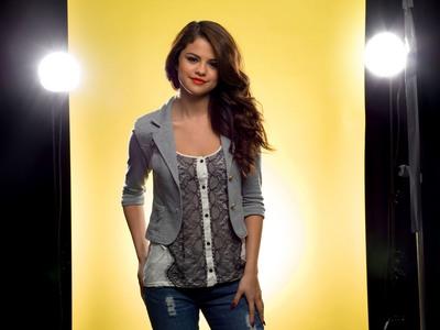 Selena Gomez poster G661630
