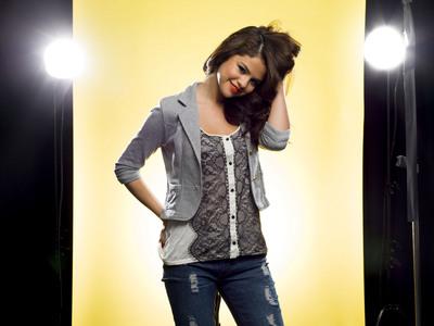 Selena Gomez poster G661633
