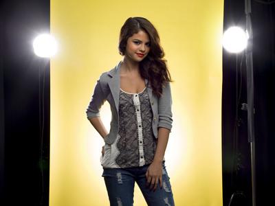 Selena Gomez poster G661640