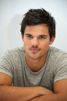 Taylor Lautner picture G299731