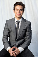Jake T Austin picture G664410