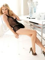 Ashley Hinshaw picture G665640