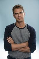 Theo James picture G670171