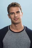 Theo James picture G670181