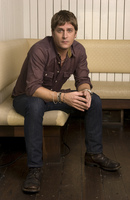 Rob Thomas picture G673009