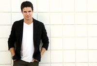 Robbie Amell picture G674209