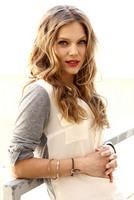 Tracy Spiridakos picture G675122