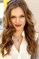 Tracy Spiridakos picture G675124