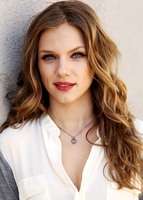 Tracy Spiridakos picture G675130