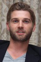 Mike Vogel picture G675980