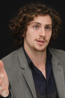 Aaron Johnson picture G678710