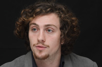 Aaron Johnson picture G678719