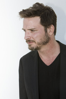 Aden Young picture G680703