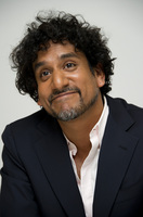 Naveen Andrews picture G682027