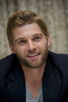 Mike Vogel picture G686057