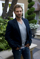 Mike Vogel picture G686064