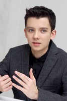 Asa Butterfield picture G687163