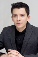 Asa Butterfield picture G687170