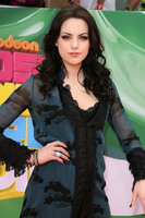 Elizabeth Gillies picture G687657