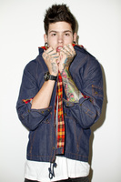 T Mills picture G688051