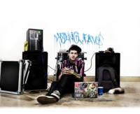 T Mills picture G688056