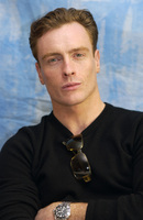 Toby Stephens picture G701606