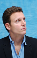 Tony Goldwyn picture G702940